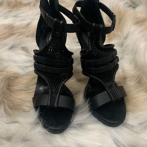 Black BCBG HEELS! Only worn once!